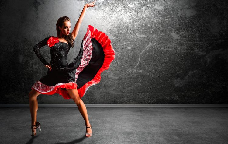 strip video ass dance Latina